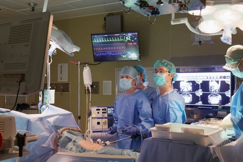 腹腔鏡下副腎摘除術