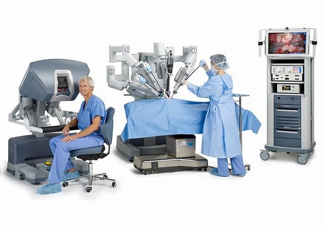 ①手術療法(根治的前立腺全摘除術)